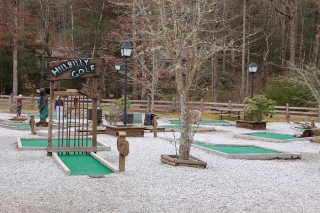 Miniature HillBilly Golf